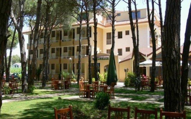 Отель Pishat E Buta Голем