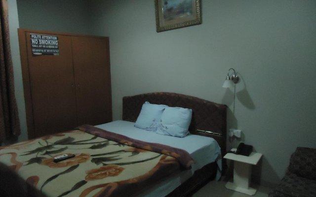 Отель Sir Bee Guest House комната для гостей
