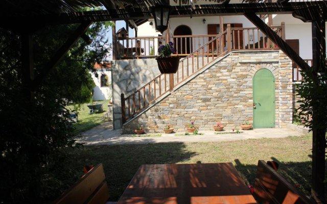 Отель Villa Nikiti вид на фасад