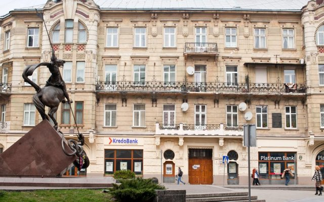 Гостиница Romantic In Lviv 500m From Opera вид на фасад