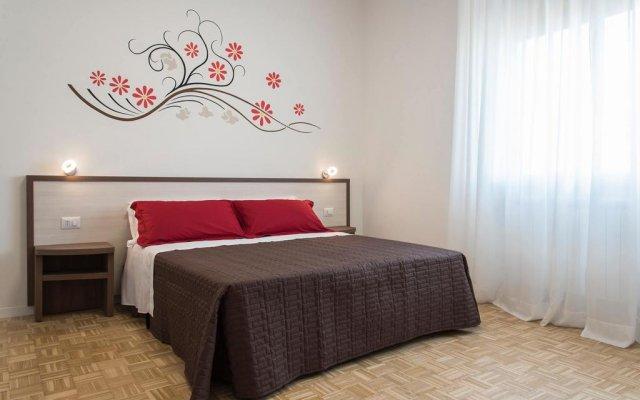 Отель B&B A Due Passi Dal Cielo Джези комната для гостей