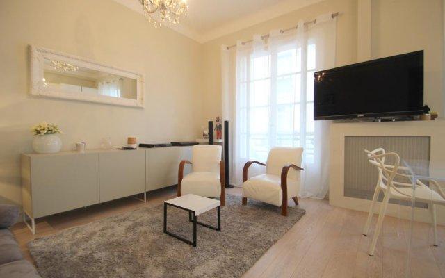 Отель Berlioz Франция, Ницца - отзывы, цены и фото номеров - забронировать отель Berlioz онлайн комната для гостей