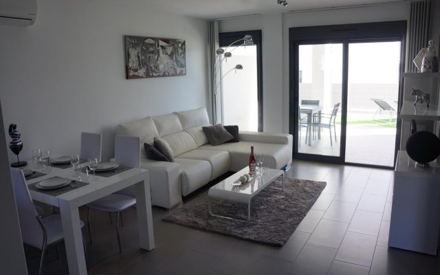 Апартаменты Apartment Oasis Beach La Zenia комната для гостей