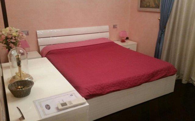 Отель B&B Villa Paradiso Love Италия, Леньяно - отзывы, цены и фото номеров - забронировать отель B&B Villa Paradiso Love онлайн комната для гостей