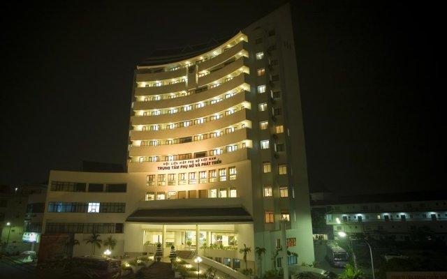 Отель Center for Women and Development вид на фасад