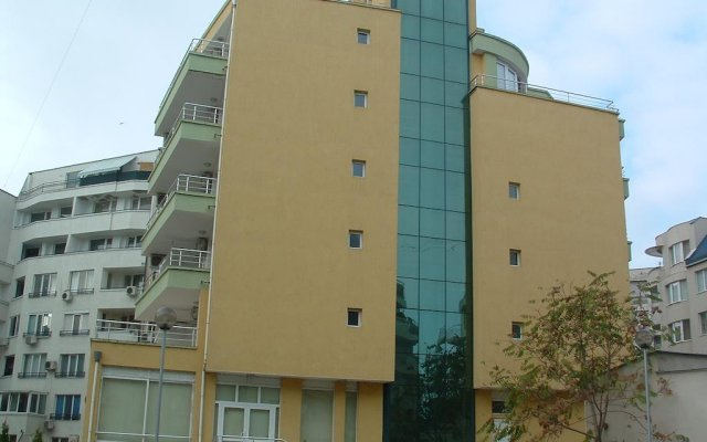 Hotel Sun вид на фасад
