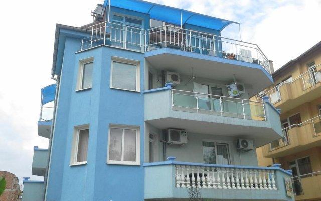 Отель Guest House Dani вид на фасад