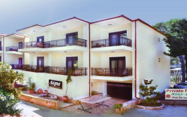 Апартаменты Avra Apartments вид на фасад