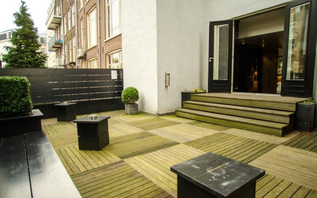 Отель Cornelisz Амстердам вид на фасад