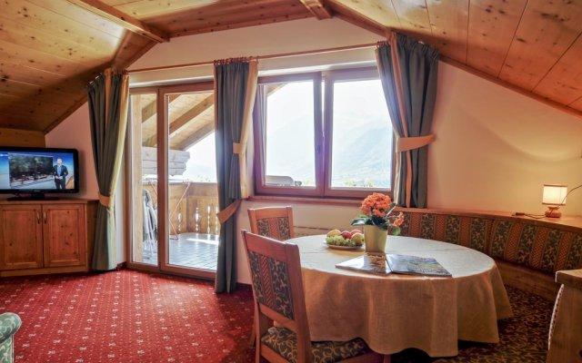 Отель Residence Krone Сцена комната для гостей