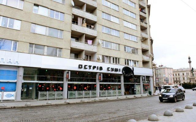Апартаменты Lviv's Opera House apartment's вид на фасад