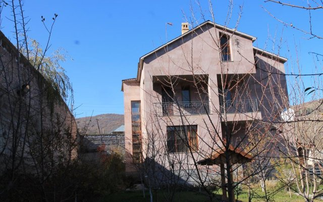 Отель Villa Hayk вид на фасад