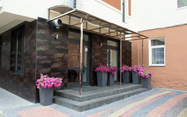 Etude Hotel вид на фасад