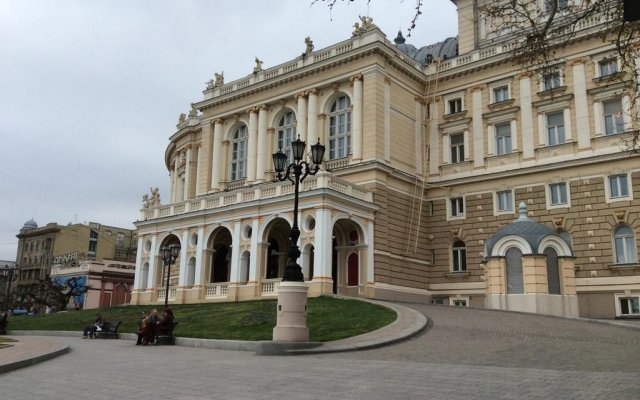 Апартаменты VIP Deribasovskaya Apartment вид на фасад