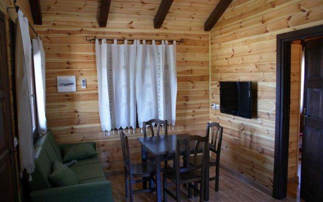 Отель Lincetur Cabañeros - Centro de Turismo Rural Испания, Сан-Мартин-де-Монтальбан - отзывы, цены и фото номеров - забронировать отель Lincetur Cabañeros - Centro de Turismo Rural онлайн комната для гостей
