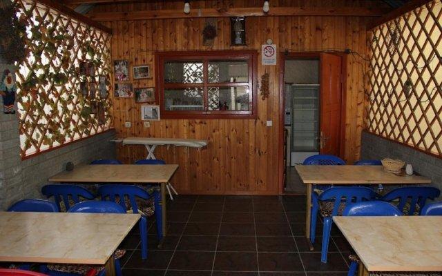 Гостиница Гостевой дом Алла в Сочи отзывы, цены и фото номеров - забронировать гостиницу Гостевой дом Алла онлайн гостиничный бар