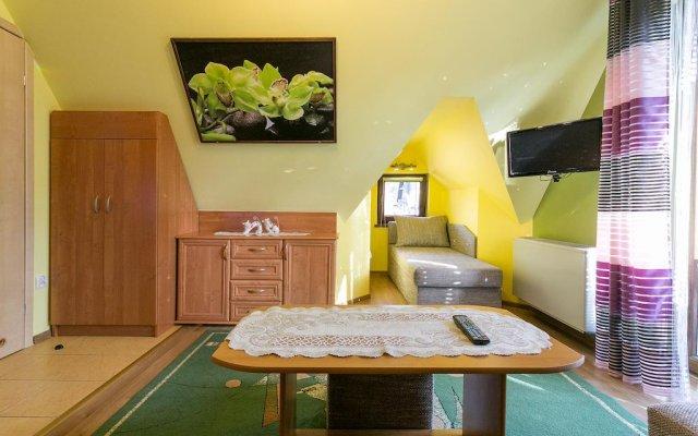 Отель Willa Elanga - Zakopanepoleca Закопане комната для гостей