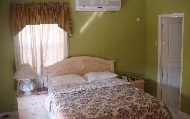 Апартаменты Jen 'N' Ive's Respite Apartment комната для гостей
