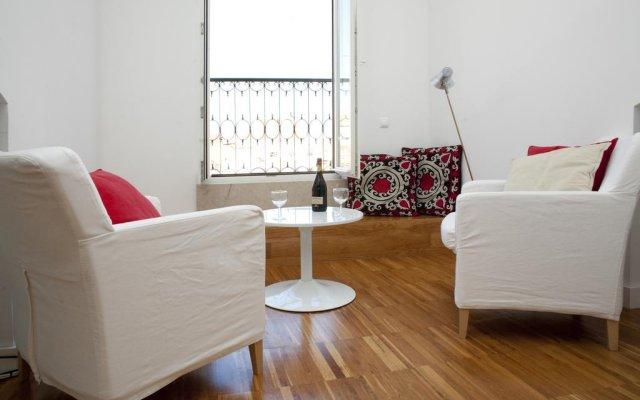 Апартаменты Lisbon Serviced Apartments - Bairro Alto комната для гостей