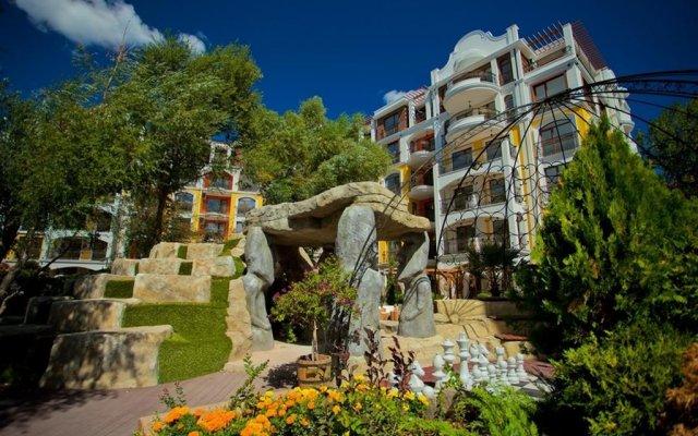 Апартаменты Bulgarienhus Harmony Suites Apartments Солнечный берег вид на фасад