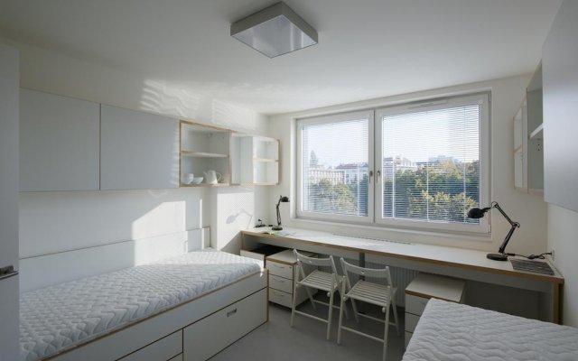 Отель Botič Student House комната для гостей