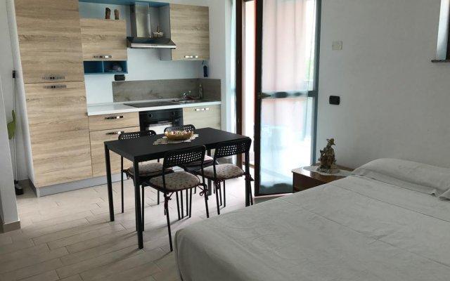 Отель Semplicemente Casa Леньяно комната для гостей