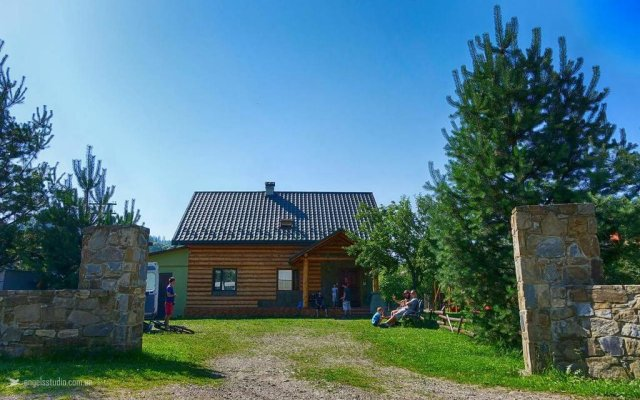Гостиница Koval'ska sadyba вид на фасад