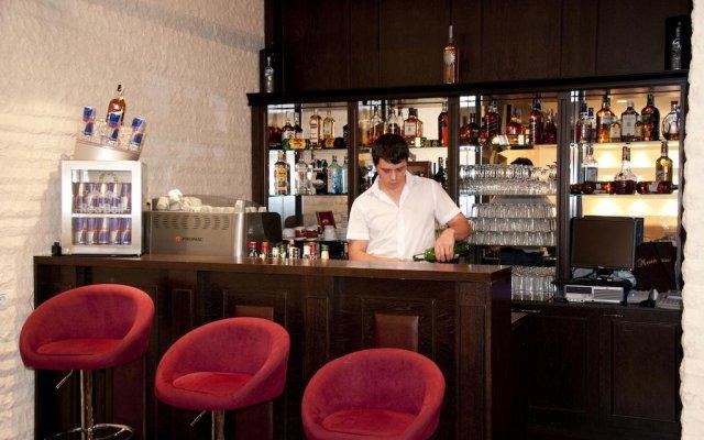 Everest Hotel Правец гостиничный бар