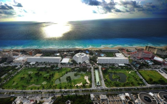 The Pyramid Grand Oasis Cancun By Lifestyle - All Inclusive