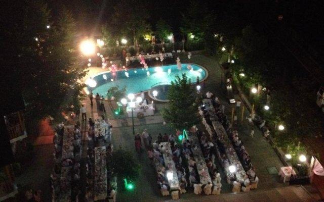 Отель Kristal Болгария, Ардино - отзывы, цены и фото номеров - забронировать отель Kristal онлайн бассейн