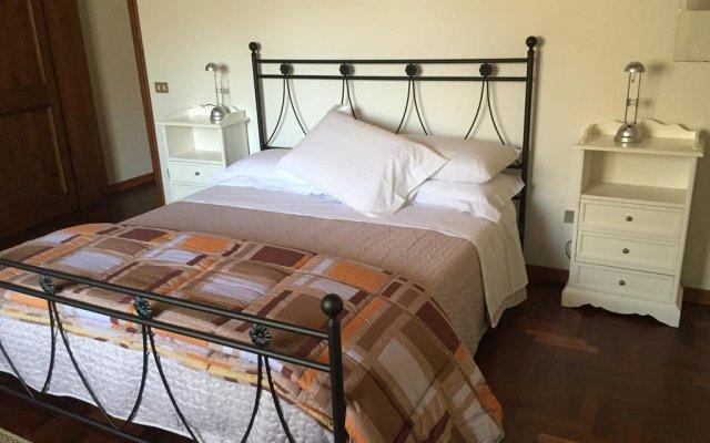 Отель Palazzo Rosari Spada Сполето комната для гостей