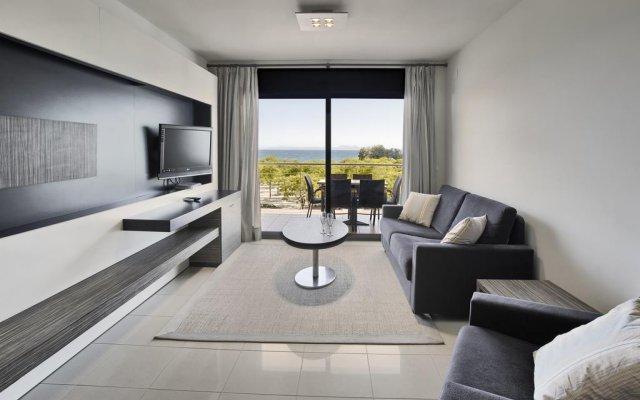 Отель Apartaments Terraza - Salatà Mar Испания, Курорт Росес - отзывы, цены и фото номеров - забронировать отель Apartaments Terraza - Salatà Mar онлайн комната для гостей