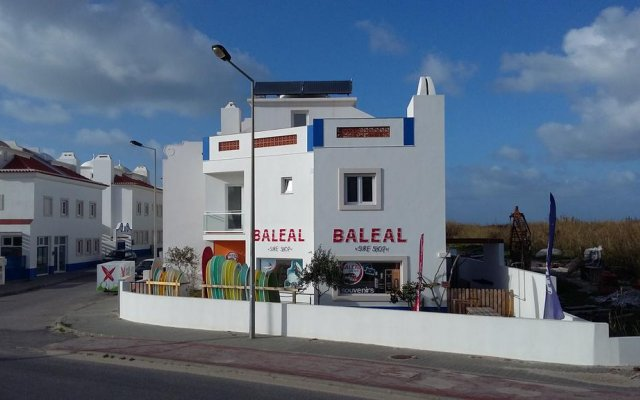 Alex Surf Hostel вид на фасад