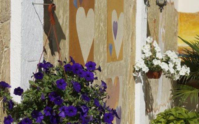 Гостиница Гостевой дом Афродита в Сочи отзывы, цены и фото номеров - забронировать гостиницу Гостевой дом Афродита онлайн вид на фасад
