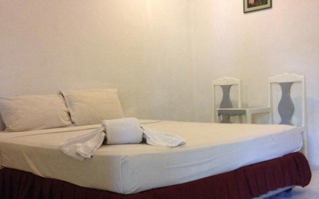 Отель Laem Sai Bungalow комната для гостей