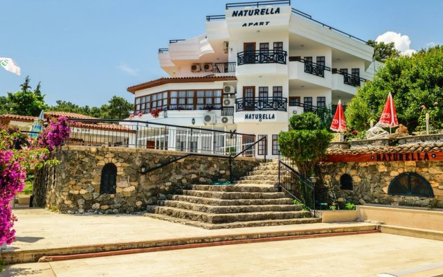 Naturella Hotel & Apart вид на фасад
