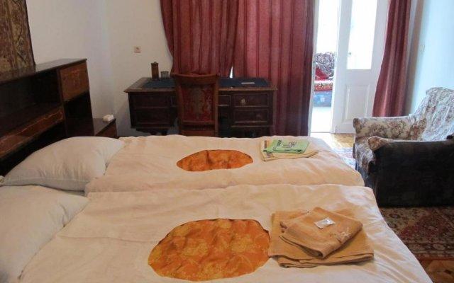 Отель Artush & Raisa B&B Армения, Гюмри - отзывы, цены и фото номеров - забронировать отель Artush & Raisa B&B онлайн комната для гостей