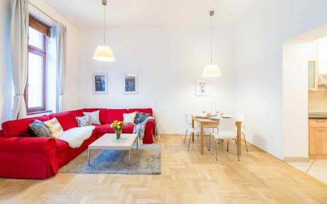 Апартаменты Oasis Apartments - Gozsdu passage комната для гостей