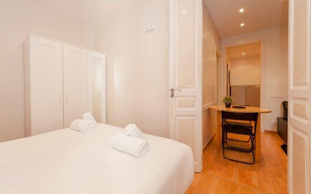 Отель Bbarcelona Apartments Plaza España Flats Испания, Барселона - отзывы, цены и фото номеров - забронировать отель Bbarcelona Apartments Plaza España Flats онлайн комната для гостей