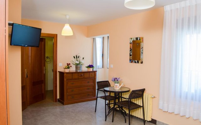 Отель Mirones 634 комната для гостей