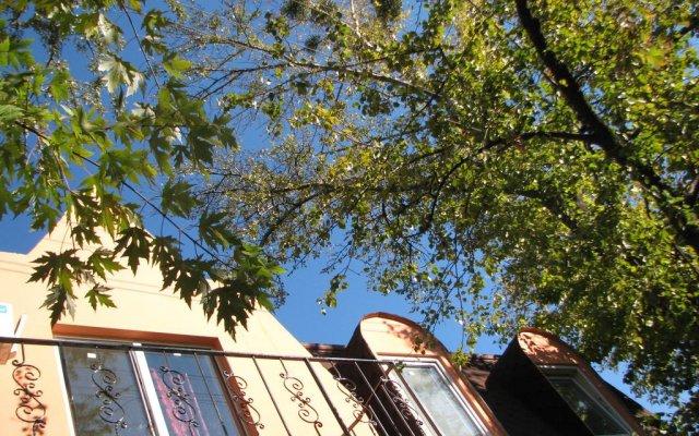 Гостиница Gostinnyy Dom na Kuznechnoy вид на фасад