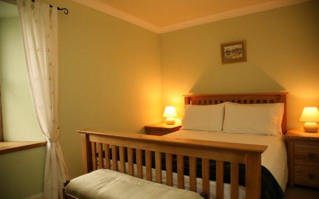 Отель Ballat Smithy Cottage Глазго комната для гостей