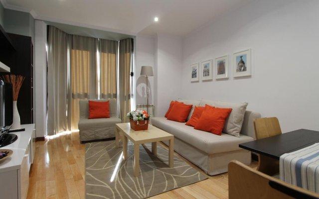 Отель Apartamentos Adelfas комната для гостей