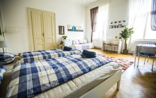 Апартаменты Praha Feel Good Apartment комната для гостей