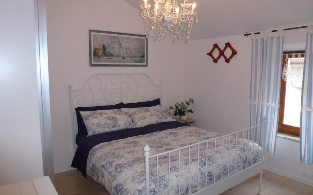 Отель Casa nel Borgo Marinaro di Civitanova Чивитанова-Марке комната для гостей