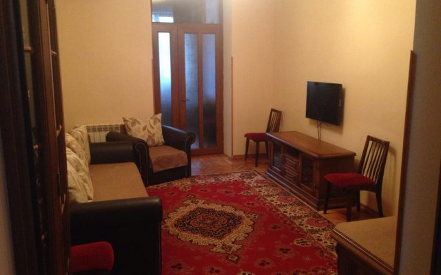 Апартаменты Apartment at Bagramyan Street Ереван комната для гостей