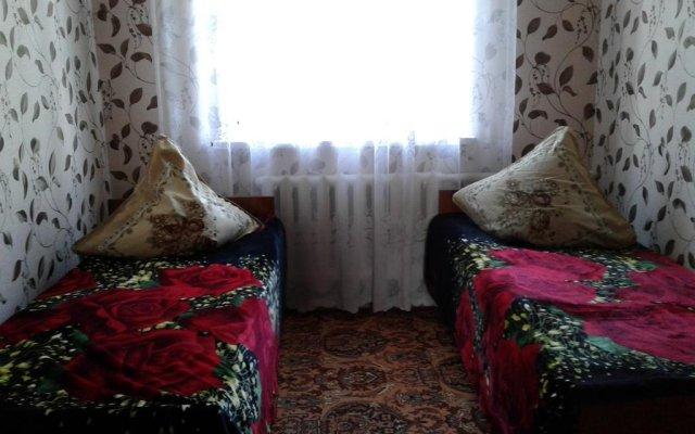 Отель Guest house Semeynyi Кыргызстан, Каракол - отзывы, цены и фото номеров - забронировать отель Guest house Semeynyi онлайн комната для гостей