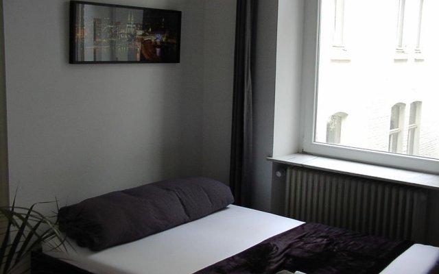 Отель Ferienwohnung Bankwitz Кёльн комната для гостей