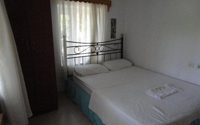 Отель Mazi Sahil Pansiyon Торба комната для гостей