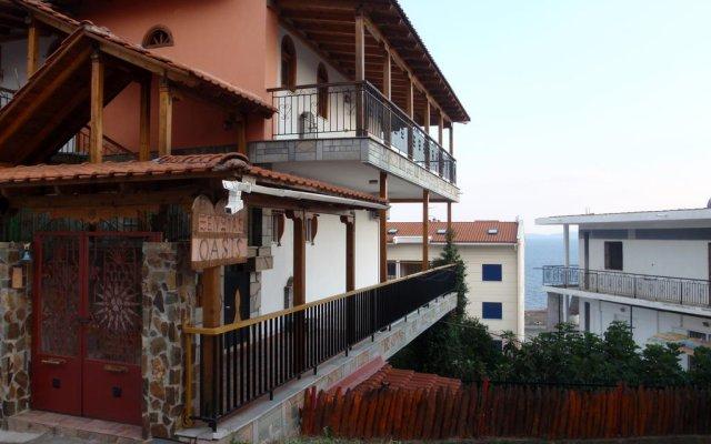 Отель Studios Oasis вид на фасад